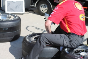 Testing air pressure in Indianapolis 500 tires