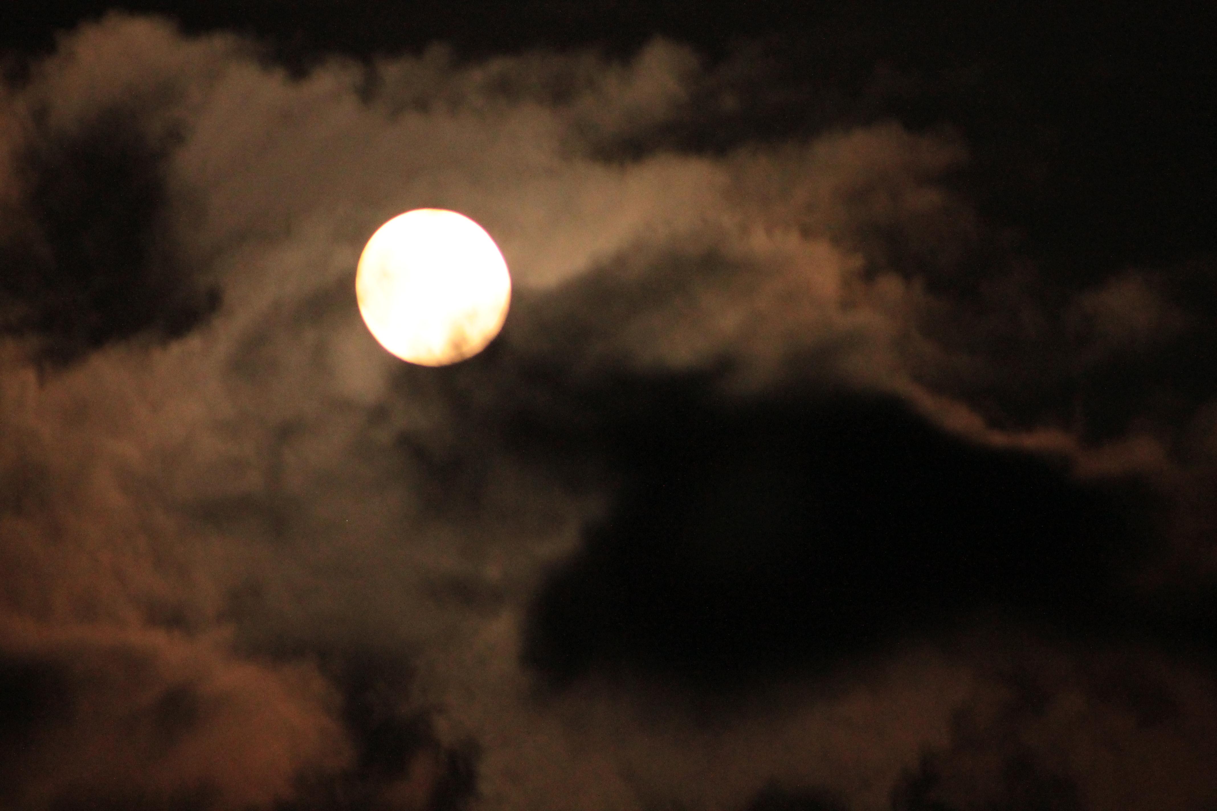 Full Harvest Moon 9-18-2013 | The Amber Light's Blog